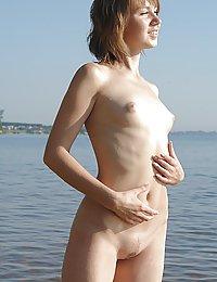 голые девушки контакт полный рост